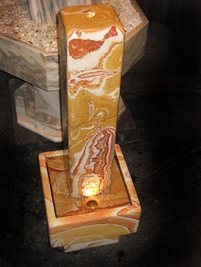 Regenbogen Stelenbrunnen mit Sockel 120 cm