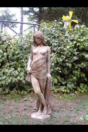 "Gartenfigur ""Adeline corroso"""