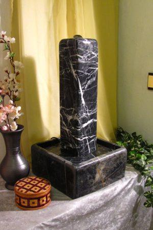 Marmor Stelenbrunnen Black & White 50 cm