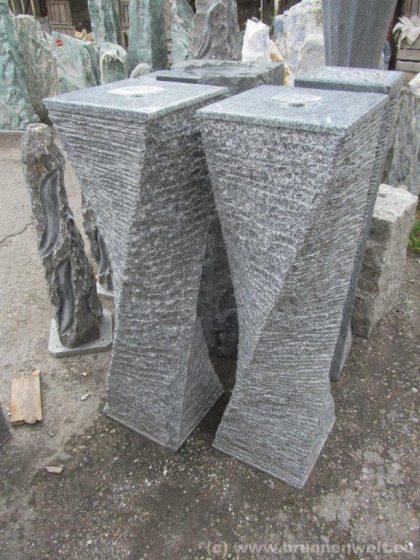 """Granit-Brunen-Stele - """"Chiang"""" 100 cm"""