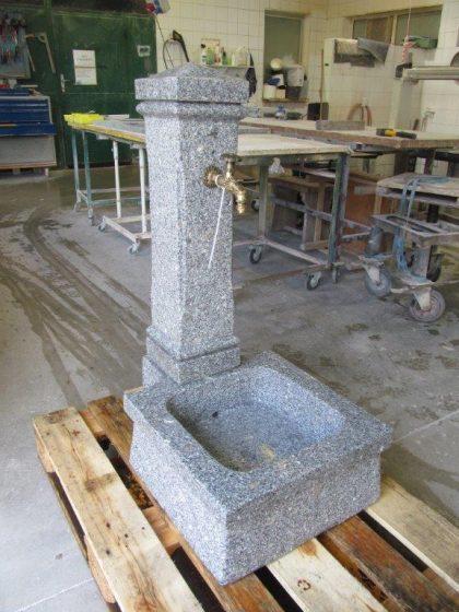Granit Gartenbrunnen Klassik- Grau
