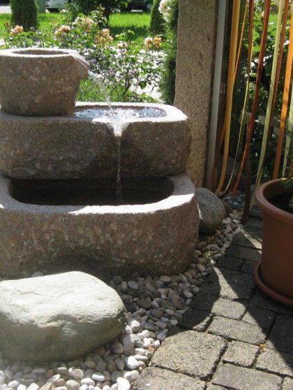 Granit-Kaskade Flintstone