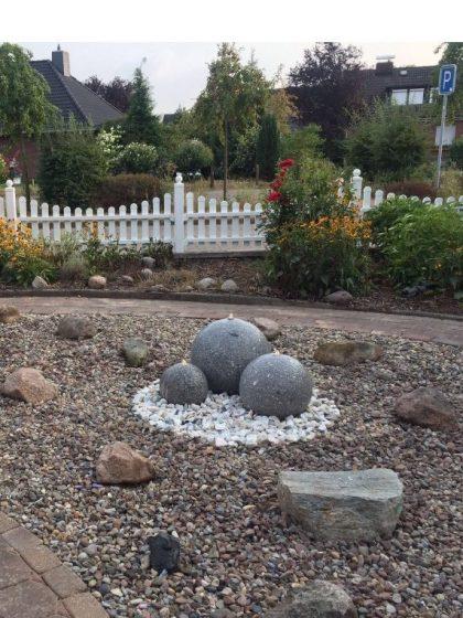 Granit-Kugelbrunnen Trio