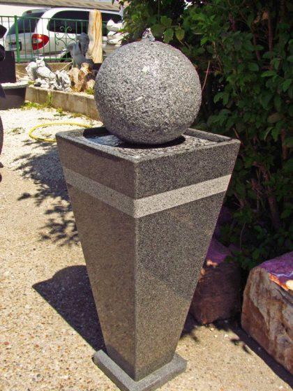 """Granit - Kugelbrunnen """"Memphis"""""""
