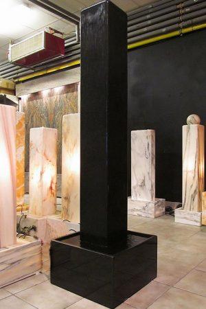 Nero Assoluto Stelenbrunnen 160 cm