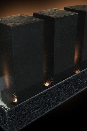 "Brunnen ""Nero Triple Monolith"""