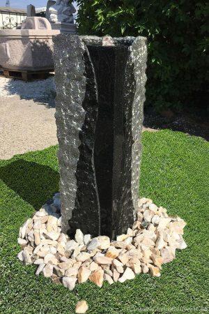 Granit-Stelenbrunnen Padang, 75 cm