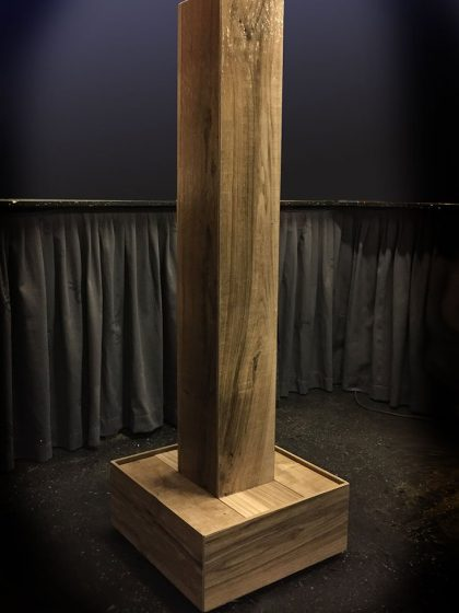 Keramikbrunnen Holz-Stele-Axe 135 cm