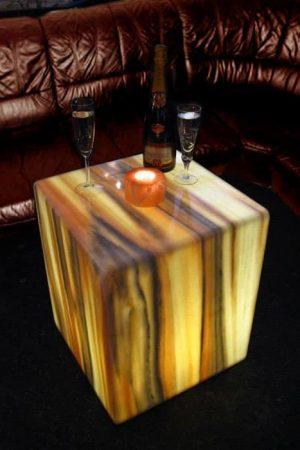 Beleuchteter Marmor-Couch-Tisch