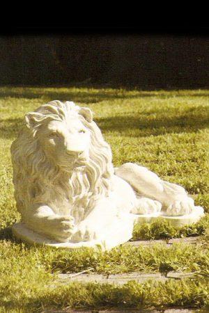 """Gartenfigur Löwe liegend """"Leone berbero dx"""""""