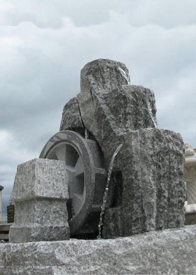"Granitbrunnen ""Mühlrad"" groß"
