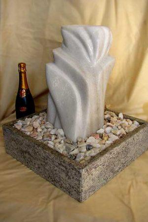 Brunnen-Skulptur Thassos-White