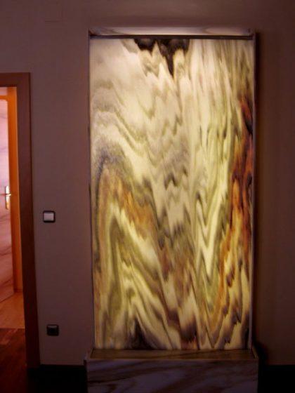 Wasserwand Sölker-Marmor hinterleuchtet 230 cm